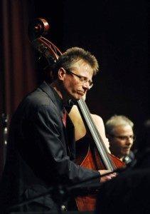 Bass: Jörg Jenner